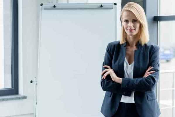 艾里珊·钟(Alexa Chung )最新私服 小西装+牛仔裤帅气又时髦