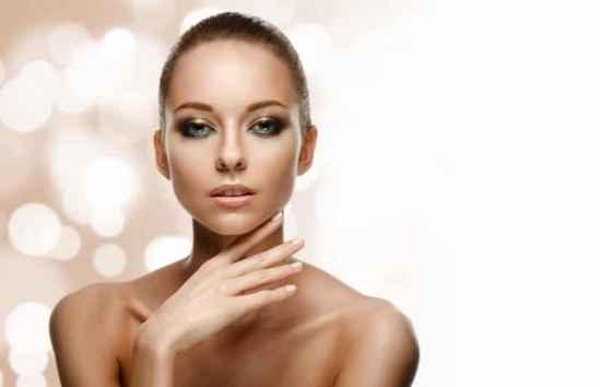 20岁适合用什么护肤品,20岁适合用什么牌子的护肤品,20岁的女生用什么护肤品比较好